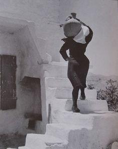 Anogia, Crète, Grèce, 1939 par la photographe grecque Elli Souyoultzoglou-Seraidari dite Nelly's (1899-1998)