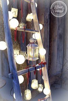 Deko für den Garten Romantic illuminated decorative ladder: decorate old wooden ladders with self-made lanterns and fairy lights. A magical eye-catcher on the terrace or in the garden. Summer Decoration, Party Decoration, Old Wooden Ladders, Balcony Garden, Terrace, Garden Projects, Wood Projects, Garden Ideas, Fairy Lights