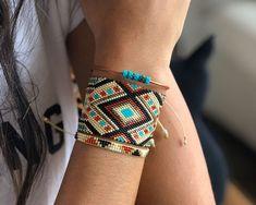 Ladrillo 2122 Loom Bracelet Patterns, Bead Loom Bracelets, Bead Loom Patterns, Beading Patterns, Nail Jewelry, Seed Bead Jewelry, Bead Jewellery, Beaded Jewelry, Bead Weaving