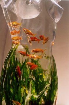 black and white cool aquarium -Mischa- Unique Fish Tanks, Cool Fish Tanks, Aquarium Original, Art Mannequin, Mannequin Torso, Image Pinterest, Aquarium Fish Tank, Goldfish Aquarium, Aquarium Ideas