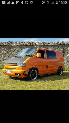 Vw T4 Transporter, Vw Beetles, T5, Paint Ideas, Volkswagen, Wrapping, Camper, Exterior, Building