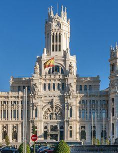 Visit the Palacio de Cibeles