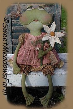 Primitive EPATTERN Frog Doll Daisy and by SweetMeadowsFarm on Etsy, $8.00