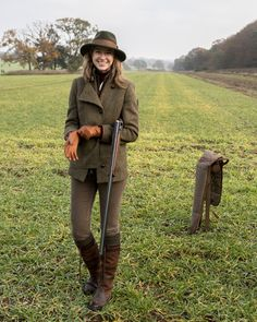 My friend, Rita, invited me to join her for a sporting weekend in the English countryside to hunt pheasant and it was easily one of the top five travel experiences of my life. The weekend… English Country Fashion, British Country Style, Country Wear, Country Casual, Country Outfits, Country Attire, Countryside Fashion, Countryside Style, English Countryside