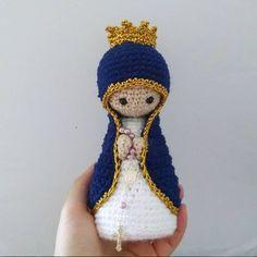 Nossa Senhora , Santinha em Crochê. Técnica Amigurumi. Ótima opção para presente criativo de dia das mães