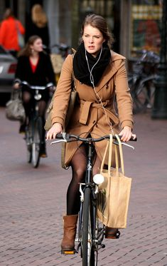Bike to work style in tights and ultra chic boots