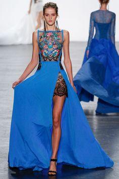 Tadashi Shoji Spring 2017 Ready-to-Wear Fashion Show blue dress embroidery Moda Fashion, Fashion 2017, New York Fashion, Runway Fashion, Spring Fashion, High Fashion, Fashion Dresses, Haute Couture Style, Couture Mode