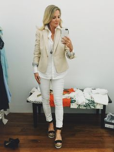 Summer office outfits: In this VIDEO, I take you shopping at Ann Taylor and show you TEN, simple, stylish and affordable office outfits Summer Office Outfits, Office Wear, Busbee Style, White Jeans Outfit, White Pants, Casual Chic Style, Work Casual, Trendy Fashion, Womens Fashion
