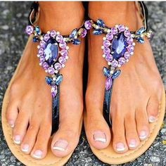 Glittering Purple Rhinestone Embellished T-strap Thong Toe Sandals Flats Fashion Summer Ladies Bling Sandals, Pearl Sandals, Strappy Shoes, Flat Sandals, Strap Sandals, Women's Shoes, Sandals Outfit, Gucci Shoes, Sandals 2018