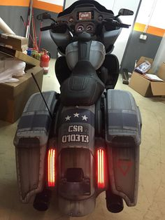 American Made Motorcycles, Old Motorcycles, Road Glide Special, Street Glide Special, Motorcycle Clubs, Cruiser Motorcycle, Harley Davidson Street Glide, Harley Davidson Bikes, Cards On The Table
