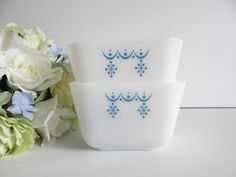 Vintage Pyrex Snowflake Garland WInter Blue by SecondWindShop