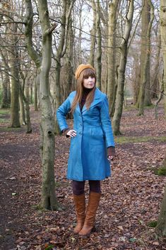 This a wonderful Vintage 70s Genuine Leather Coat. In a beautiful Teal Blue shade with a dagger collar, large pockets and 3 buttons. Fully lined. Has some general wear to leather - some slight scuffing and fading at edges and button holes. The buttons have been re-sewn at some point Buttonholes, Teal Blue, Vintage 70s, Vintage Outfits, Buttons, Shirt Dress, Pockets, Boho, Retro