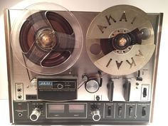 AKAI 4000DS Vintage Reel To Reel Tape Recorder Player With Rare Cut Metal Reel
