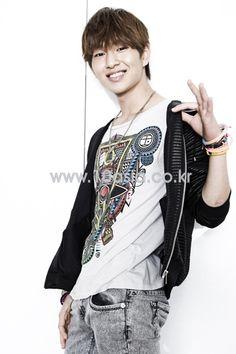 K-POP: SHINee - 10Asia (Photoshoot)- Onew