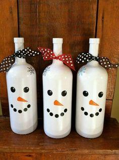 Weinflaschen als Schneemann