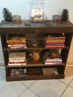 Pallet wood bookshelf www.facebook.com/...
