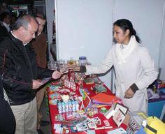 """Este sábado concluyó con rotundo éxito la primer Expo Venta Navideña en la Plaza Isauro Alfaro de Ciudad Madero, donde productores del programa """"Hecho en Madero"""" y comerciantes de la localidad, obtuvieron un importante repunte en sus ventas."""