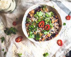 Paistettu riisi ja maapähkinävoikastike