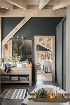 Une maison en bois au milieu de la forêt A wooden house in the middle of the forest – PLANETE … Beautiful Interiors, Beautiful Homes, House Beautiful, Wooden Cottage, Wooden Houses, Wooden House Design, Small Wooden House, Bad Styling, Sweet Home