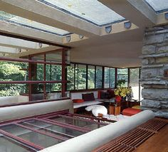 A visit to Frank Lloyd Wright's Fallingwater in Pennsylvania Casas De Frank Lloyd Wright, Frank Loyd Wright Houses, Organic Architecture, Architecture Design, Green Architecture, Fallingwater Interior, Architecture Organique, Falling Water Frank Lloyd Wright, Falling Water House