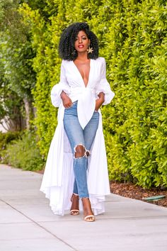 Ruffled V-Neck Shirtdress + Ripped Levi's Jeans (Style Pantry) Classy Outfits, Chic Outfits, Fashion Outfits, Womens Fashion, Jeans Fashion, Unique Fashion, Look Fashion, African Fashion Dresses, African Dress