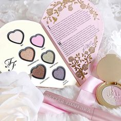 How pretty is the Too Faced x Kat Von D collab? There's a review of the full collection on my blog as well as a little giveaway for you lovelies! 🙊🎀🌸💕 lovecatherine.co.uk (link in my bio) ✨