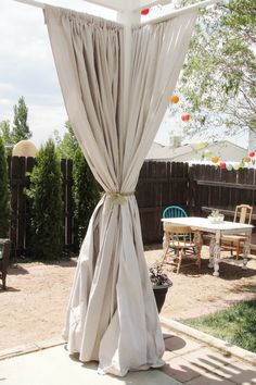 DIY Outdoor Curtains! Fabulous! http://mommyinthemountains.com/?p=4202#