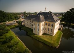 Luftbild Schloss Miel