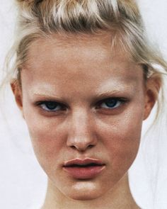 Hannah Holman for Vogue Russia January 2010 Bleached Eyebrows Beauty Make Up, Hair Beauty, Blonde Beauty, Pure Beauty, Bleached Eyebrows, Blonde Eyebrows, Bleach Blonde, Model Face, Beauty Shots