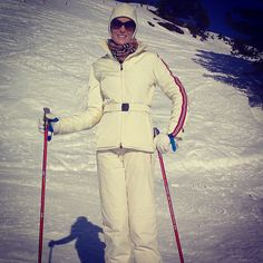 Love skiing in Obertauern with my Moncler Skidress! Laura Biagiotti, Gentleman, Trends, Moncler, Skiing, Retro, Coat, Fitness, Jackets