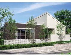 平屋 外観 - Google 検索 Minimalis House Design, Archi Design, Facade, Garage Doors, Floor Plans, Outdoor Decor, Home Decor, Google, Ideas