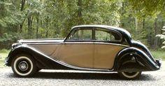 1950 Jaguar Mark V Saloon. Maintenance/restoration of old/vintage vehicles… Vintage Cars, Antique Cars, Classic Cars British, British Car, Jaguar Land Rover, Cars Uk, Limousine, Car Brands, Amazing Cars