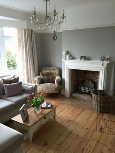 Interior Design Lounge Ideas - Modern living room decor resists the details of ornamentation and instead the focus . Living Room Colors, Living Room Grey, Home Living Room, Living Room Designs, Interior Design Living Room, Living Room Decor, Grey Room, Living Room Wooden Floor, 1930s House Interior Living Rooms