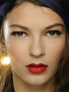 Alexis Mabille show Paris Fashion Week spring/summer 2014 backstage beauty, hair and makeup trends at PFW, cosmopolitan.co.uk