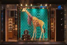Dit is een originele productpresentatie, ze hebben het op een leuke manier ingedeeld. Ook al heeft een giraffe niks te maken met het merk heeft het zeker iets eigens.