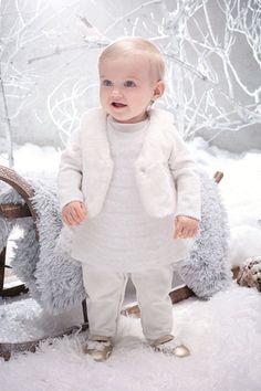 Pour que votre bambin soit le plus beau durant les fêtes de Noël, il est temps de penser dès à présent à sa tenue. Découvrez vite toutes nos idées pour les bébés et les enfants à tous les prix.