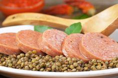 Muset con le lenticchie, tipico piatto veneto del periodo delle feste natalizie.  Mangiarlo la notte di Capodanno è, secondo la tradizione, di buon auspicio per l'anno nuovo!