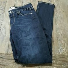 "Paige Skyline Skinny Sheffield Wash Jeans 29 EUC! Hardly worn! Inseam is 31"". Dark wash. Paige Jeans Jeans Skinny"