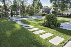 Terrassenplatten mit Teflon® Imprägnierung RSF 1 v - Recycled Garden Ideas Backyard Garden Design, Modern Backyard, Garden Landscape Design, Patio Design, Country Landscaping, Backyard Landscaping, Landscaping Design, Outdoor Walkway, Garden Pictures