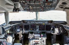 MD-11 Flight Deck, Space Crafts, Military Aircraft, Airplane, Aviation, Vintage, Cabins, Planes, Spaceships