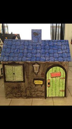 itsallaboutnina diy cardboard haunted house diy halloween decorations cardboard playhouse discovery - Cardboard Halloween Decorations