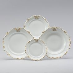 Parte de Servico de jantar em porcelana Alema do sec.19th, 45px, 3,300 USD / 2,890 EUROS / 11,390 REAIS / 21,270 CHINESE YUAN soulcariocantiques.tictail.com