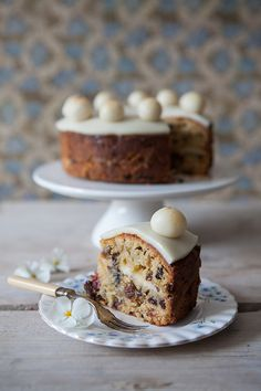 Miss Foodwise | Celebrating British food and culture: Of Simon, Nell and Simnel cakes