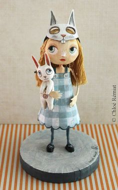Alice masquée, OOAK doll Paper Mache Clay, Paper Mache Sculpture, Pottery Sculpture, Paper Clay, Paper Art, Clay Dolls, Bjd Dolls, Sculptures Papier, Sculpture Lessons