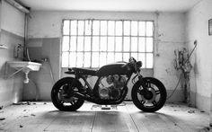 Honda Cafe Racer #motorcycles #caferacer #motos - Garage of Anvil Motocilclette | www.caferacerpasion.com