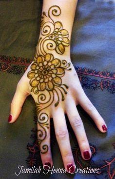 Shading, henna, flowers, swirls etc www.JamilahHennaCreations.com