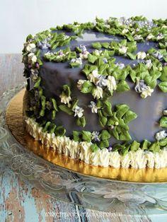 Tort obsypany kwiatami 2 - pomysł na dekorację Wilton tips