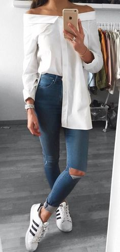 trendy outfit top + rips