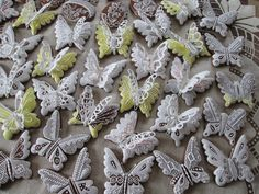 velikonoce, perníky Page 6 Cookie Decorating, Cookies, European Style, Pretty, Plants, Pictures, Butterflies, Crack Crackers, Biscuits