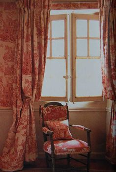 Au Ralenti du Lierre--my 2 favorite.....French Country and Red/White